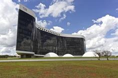 Sede do Tribunal Superior Eleitoral em Brasília by Francisco Aragão, via Flickr