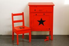 Retro red vintage circus big nightstand by un lapin dans le tiroir