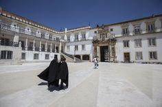 """UNESCO classifica Universidade de Coimbra como Património Mundial via Fugas 22/06/2103  A Universidade de Coimbra é símbolo de uma """"cultura que teve impacto na humanidade"""". UNESCO classifica universidade como ícone da cultura portuguesa no mundo #Portugal"""