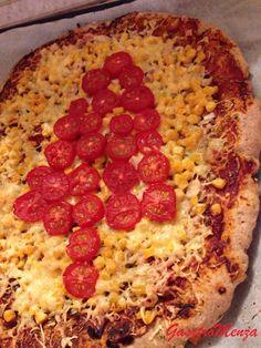 Nem kell többé bűntudatodnak lennie, ha pizzát eszel! Próbáltam durum, szénhidrát csökkentett és tönkölylisztből is pizzát készíteni, de sosem volt az igazi. Az élesztő nem tudta felfújni a nehéz tésztát és az ízétől sem ájultam el. Gondoltam kipróbálom most a teljes kiőrlésű búzalisztet. Bár nem a legjobb, de ez...