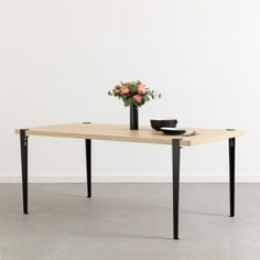Industrial style and design dining table legs - TIPTOE Brixton, Dining Table Legs, Dining Room, Black Interior Design, Bureau Design, Big Family, Industrial Style, Home Accessories, New Homes