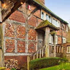 Herringbone brickwork and half-timber country house. Timber Buildings, Old Buildings, Hampshire England, Timber Beams, Tudor House, Thatched Roof, Timber Frame Homes, Brickwork, Architecture Details