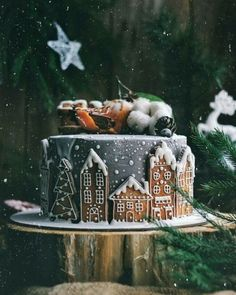 Holiday Recipes Christmas Desserts Gingerbread Cake Ideas For 2019 Christmas Cooking, Christmas Desserts, Christmas Treats, Christmas Cakes, Winter Cupcakes, Christmas Gingerbread House, Noel Christmas, Gingerbread Houses, Gingerbread Cake
