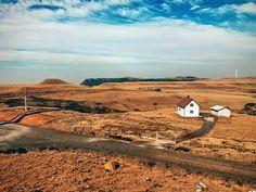 Uma casinha no meio do nada. Paisagem no alto da Serra Geral. Bom Jardim da Serra. Foto: Daniel Buss.