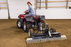 Arena Rascal Pro is the best selling professional ATV and UTV arena drag on the market. Learn more about our Arena Drag is built to last. Accessoires Quad, Atv Implements, Pole Bending, Horse Arena, Round Pen, Barrel Racing, Horse Farms, The Ranch, Horse Stuff