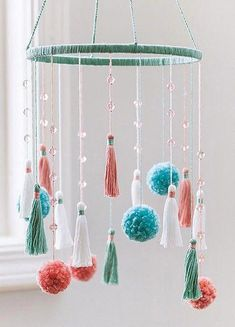 - Top-Notch Tassels & Pom-Poms Top-Notch Tassels and Pom-Poms from Leisure Arts presents a fun collection of craft projects embellished with today's most popular trims. Spruce up the office with these grand chandeliers of fluffy pom-poms and tassels. Cute Crafts, Easy Crafts, Diy And Crafts, Crafts For Kids, Craft Ideas For The Home, Kids Diy, Diy Crafts For Bedroom, Crafts With Yarn, Teen Summer Crafts