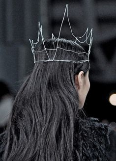 wire crown.. some friends I know need it but they probably already made one themselves!