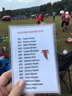 Cheer the whole team on this season. Print up rosters and use self-laminating pouches from @Wal-Mart for durability. Great way to encourage the players by name! {Ad}