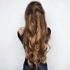 We have such an appreciation for authentic beauty and celebrate it by offering certified natural hair products for all the ways we wear our hair, curly and straight. is wearing Dirty Blonde Luxy Hair extensions. Pretty Hairstyles, Easy Hairstyles, Hairstyle Ideas, Long Hair Curled Hairstyles, Amazing Hairstyles, Asymmetrical Hairstyles, Fashion Hairstyles, Long Haircuts, Feathered Hairstyles