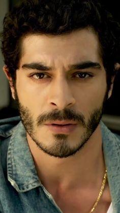 Handsome Celebrities, Most Handsome Actors, Hayat And Murat, Actors Male, Smart Men, Lovely Eyes, Turkish Fashion, Ubs, Turkish Actors