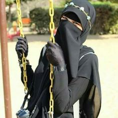On the swing Arab Girls Hijab, Girl Hijab, Muslim Girls, Hijab Niqab, Muslim Hijab, Hijab Outfit, Muslim Women Fashion, Islamic Fashion, Niqab Fashion