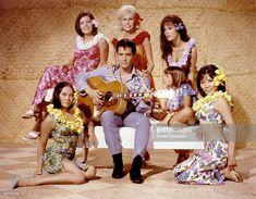 Sixties   Elvis Presley, Linda Wong, Julie Parrish, Suzanna Leigh, Marianna Hill, Donna Butterworth (little girl) and Irene Tsu on the set of Paradise, Hawaiian Style