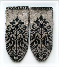 Джурабы. Носки. Socks. Верхняя сторона. На размер стопы: 36-38.  Пряжа: 100% шерсть. Набор чулочных спиц №2.