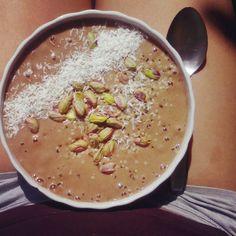 Yummy in my tummy! Chocolate-pistachio nice cream topped with more pistachios, shredded coconut and hemp seeds! Chocolate craving: satisfied ✔#nanacream #nicecream #feelthelean #lonijane #plantbased #rawvegan #rawtill4 #whatveganseat #veganfoodporn #birthmark #legs #801010 #vegan #hclf #lunch #fitchicks #chocolatecravings