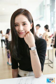 Liu Shishi attends activity in Shanghai | China Entertainment News