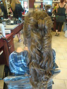 coiffure  de soirer  styliste Melanie Boucher
