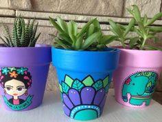 Painted Plant Pots, Painted Flower Pots, Vase Crafts, Clay Pot Crafts, Painted Pavers, Diy Diwali Decorations, Pottery Painting Designs, Flower Pot Design, Mexican Crafts