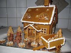 Nallen joulutalo by Hanski -- Piparkakkutalo, Joulu, Gingerbread house, Christmas