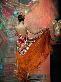 #Angeles_Espinar, #manton designer (#flamenco #shawl).