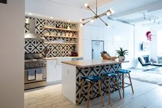 Brightening Up a Manhattan Condo with Patterned Tile and Built-In Storage — Professional Project (Apartment Therapy Main) Funky Kitchen, Kitchen Backsplash, Kitchen Dining, Backsplash Ideas, Backsplash Wallpaper, Eclectic Kitchen, Condo Kitchen, Kitchen Reno, Funky Home Decor