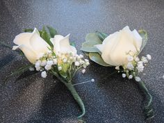 Buttonholes - Justin prefers the one on the right