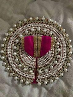 Thali Decoration Ideas, Ganpati Decoration At Home, Diwali Decorations, Jai Shree Krishna, Krishna Art, Krishna Painting, Hare Krishna, Diy Arts And Crafts, Diy Crafts