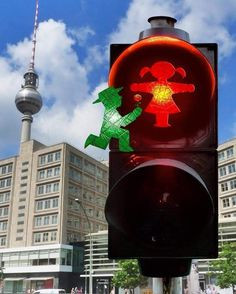 Another one to celebrate all the wonderful women around the world! <3 #LittleGreenMan #AmpelmannWorld #FollowAmpelmann #ampelmannLifestyle #Berlin