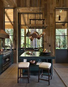 In case you've got a log home, you are one of those lucky ones who won't reside in a cookie house residence that resembles all of the remaining block. A cabin style log home is cozy, comfy and inviting. Cabin Interiors, Rustic Interiors, Napa Valley, Küchen Design, Interior Design, Design Ideas, 2017 Design, Loft Design, Interior Ideas
