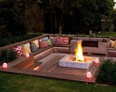 These fire pit ideas and designs will transform your backyard. Check out this list propane fire pit, gas fire pit, fire pit table and lowes fire pit of ways to update your outdoor fire pit ! Find 30 inspiring diy fire pit design ideas in this article. Backyard Seating, Backyard Patio, Outdoor Seating, Deck Seating, Modern Backyard, Pergola Patio, Desert Backyard, Garden Seating Areas, Backyard Fire Pits