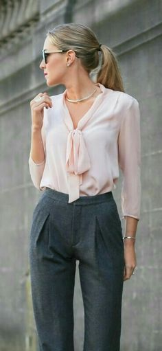 Fashion Outfits: 16 Stylish and Professional Interview Outfit Ideas. Business Outfit Frau, Business Casual Outfits, Office Outfits, Business Wear, Office Wear Women Work Outfits, Womens Formal Pants Outfits, Women's Office Clothes, Office Look Women, Stylish Outfits