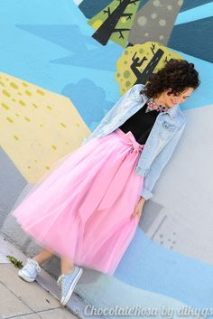 Pink tulle skirt with Converse