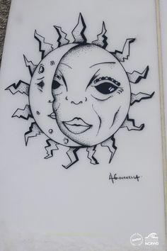 Sol e lua - Surf art , feita com Posca em prancha de surf