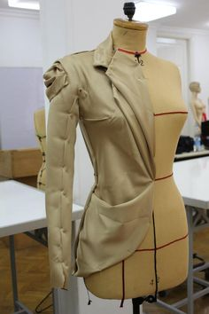 Atelier haute couture, sewing, Fashion atelier, fashion making, corteygrif: DRAPING-MOULAGE