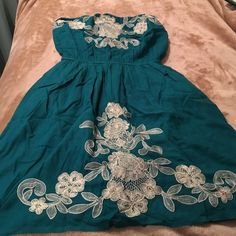Blue floral dress Great for spring and summer. In great condition. Floral dress Billabong Dresses