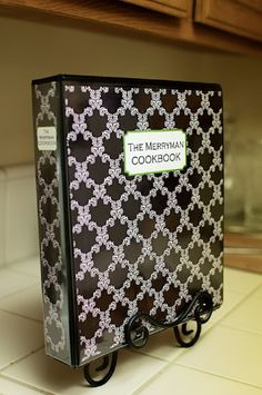 Cookbook - 20 Creative and Useful DIY Projects for Home Improvement Making A Cookbook, Homemade Cookbook, Cookbook Ideas, Cookbook Design, Cookbook Display, Cookbook Template, Homemade Recipe, Family Recipe Book, Recipe Books