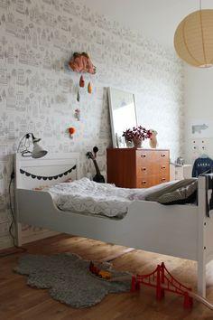 Att tänka på i barnrummet - Think organic Girls Bedroom, Bedroom Decor, Master Bedroom, Casa Kids, Deco Kids, Little Girl Rooms, Kidsroom, Kid Spaces, Kids Decor