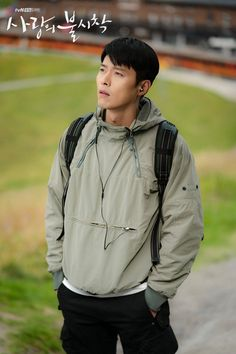 Omg is this a magazine shoot?😍😍 Btw I'm so curious about why he came here🤔 Hyun Bin, Jung Hyun, Lee Jung, Asian Actors, Korean Actors, Park Bogum, Park Seo Joon, Korean Drama Movies, Korean Dramas