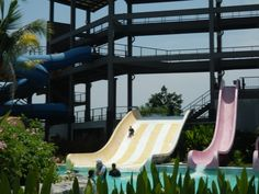 Water slides at Black Mountain Water Park in Hua Hin, Thailand Stuff To Do, Things To Do, Black Mountain, Water Slides, Thailand, Park, Fun, Things To Make, Parks