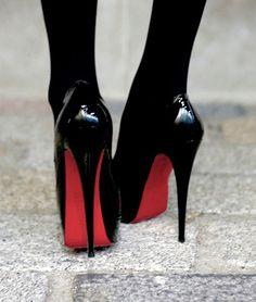 ♡ Loving these Christian Louboutin Heels with red sole ♡ Hot Heels, Men In Heels, Cute Shoes, Me Too Shoes, Frauen In High Heels, Killer Heels, Black High Heels, Black Stilettos, Red High