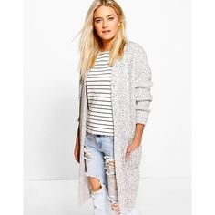 Boohoo Oversized Boyfriend Cardigan (83 BRL) ❤ liked on Polyvore featuring tops, cardigans, oversized cardigan, boyfriend tops, white cardigan, long sleeve tops and white long sleeve top