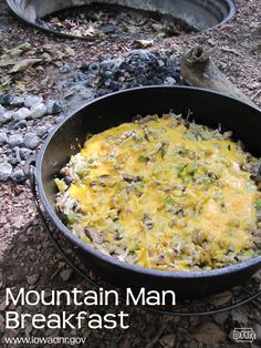These 35 easy dutch oven recipes are great for camping. Most don't require much prep work which makes for a relaxing weekend of camping. Cast Iron Cooking, Oven Cooking, Cooking Recipes, Cooking Ribs, Skillet Cooking, Fire Cooking, Grilling Recipes, Cooking Ideas, Mountain Man Breakfast Recipe