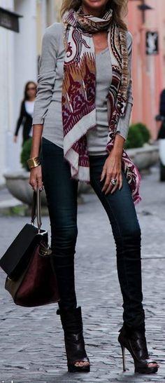 Autumn Street Style | La Beℓℓe ℳystère | Fall Print Scarf