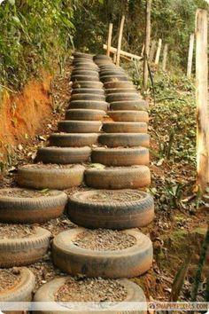 escaleras con ruedas de coche