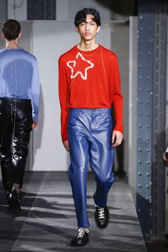Acne Studios Fall 2018 Menswear Collection - Vogue Fashion Week, Runway  Fashion, Male Fashion fb47891bbdf