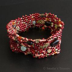 Freeform Beadwoven Bracelet, via Flickr.