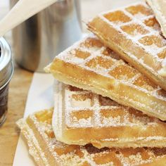 Delicious Desserts, Dessert Recipes, Apple Pie, Tiramisu, Waffles, Sweet Tooth, Food And Drink, Bread, Cooking