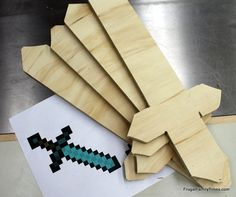 Frugal Family Times: Minecraft Birthday Party: Printables, Crafts and Games!