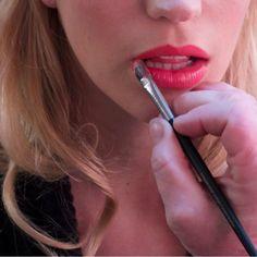 How do you play up your holiday look?www.marykay.com.mx/almareza #marykaydfsur Facebook/Ilumina tu Belleza con Mary Kay