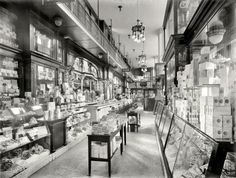 Drug Store at Pennsylvania Station, 1910-15 period (photo from the New York City Municipal Archives)