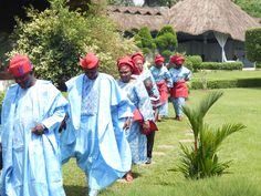 JHALOBIA GARDEN NIGERIA : GUESTS IN ASO-EBI ARRIVE AT THE JHALOBIA GARDEN WEDDING VENUE IN LAGOS NIGERIA